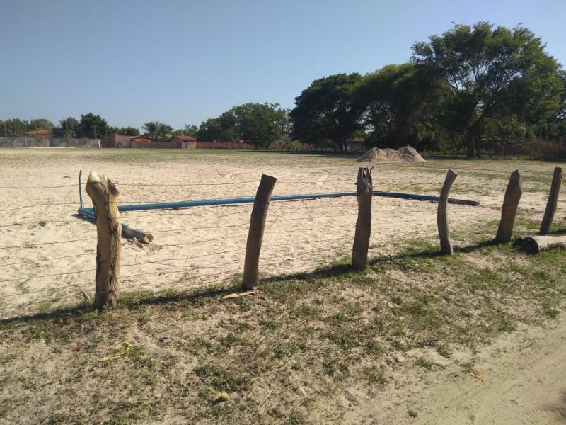 'Coelhão' está sendo destruído e dividido em lotes em Boa-Hora