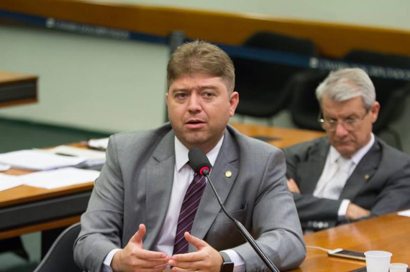 Comissão aprova ressarcimento em dobro para cobrança indevida na conta de luz
