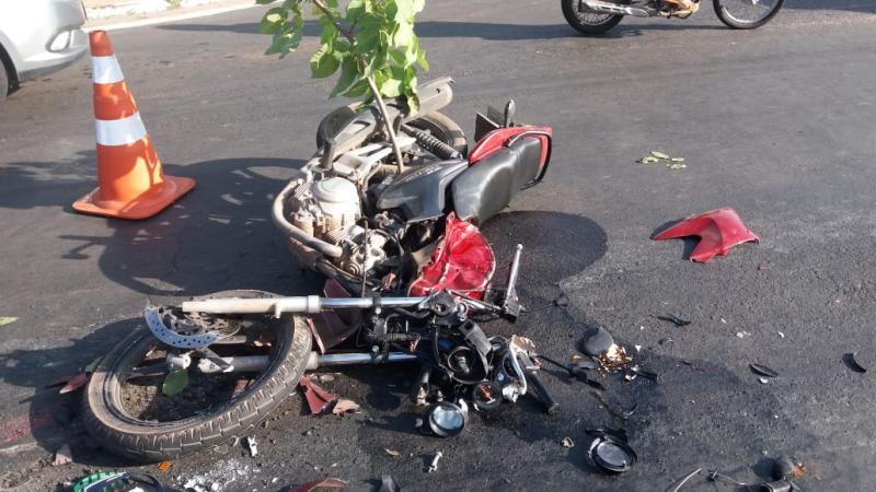 Motociclista morre atropelado por caminhão na BR-343