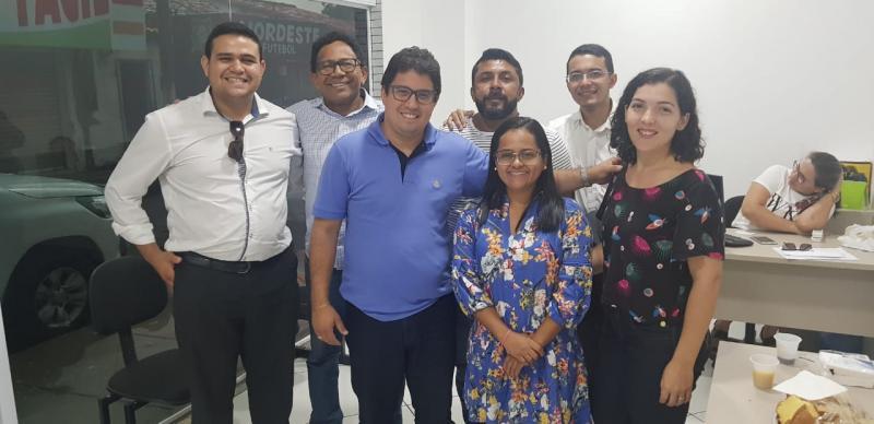 Advogado Dr. Carlos Jr, realiza maratona de reuniões na região dos Cocais