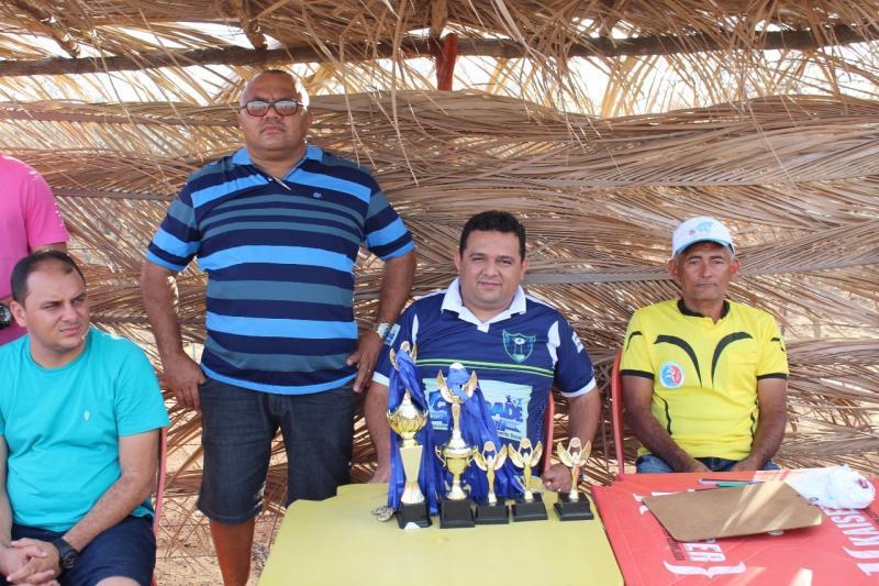 Prefeito Toninho marca presença na final do campeonato de futebol amador em Caridade