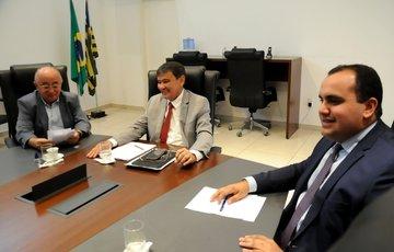 Governador anuncia recuperação da estrada que liga Guadalupe a Jerumenha