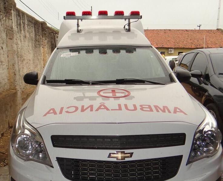 Secretaria de Saúde adquire dois veículos novos e mais ambulância