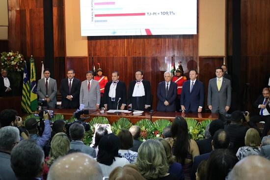 Diretores da OAB prestigiam posse do novo presidente do TJ-PI