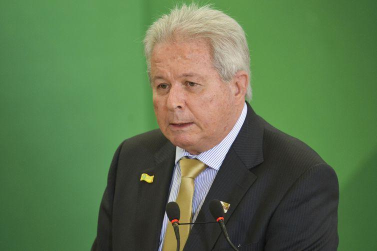 Presidente do Banco do Brasil afirma que filho de Mourão é de sua confiança