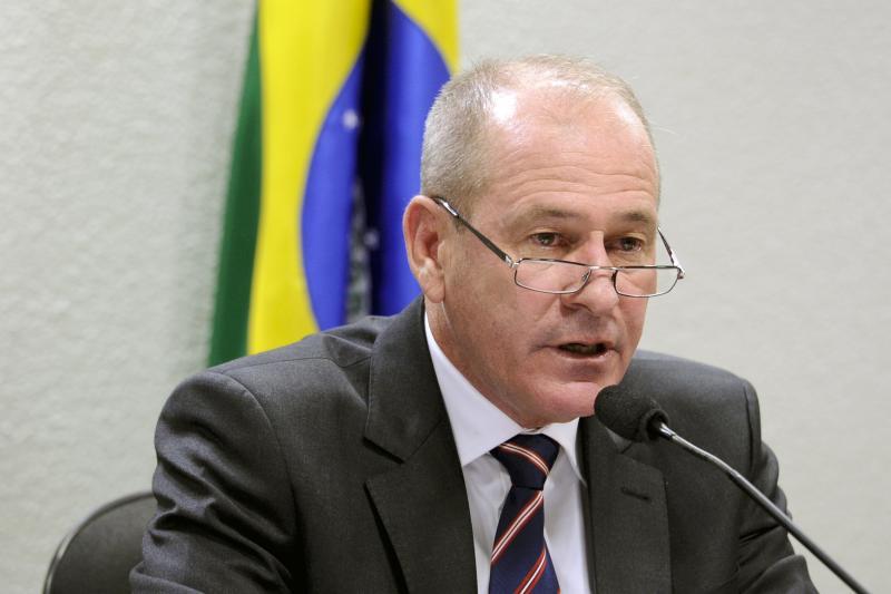 Ministro sugere regras diferenciadas para militares na Previdência