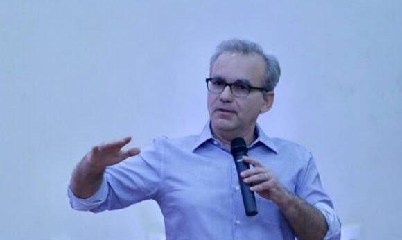 Firmino admite possibilidade de reforma na prefeitura de Teresina