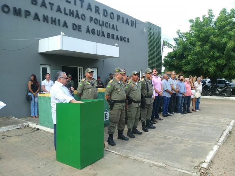 Dr. Alcione participa da posse do novo comandante do  18º BPM