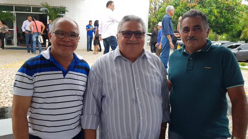 Prefeito Dr. Alcione participa da posse da nova mesa diretora da APPM