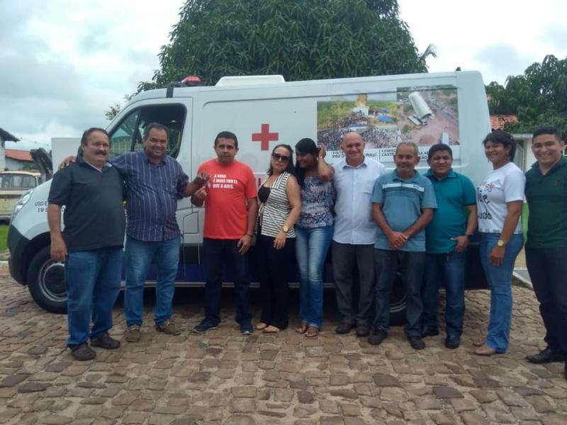 Prefeitura de Pau D'Arco recebeu nova ambulância para a Saúde