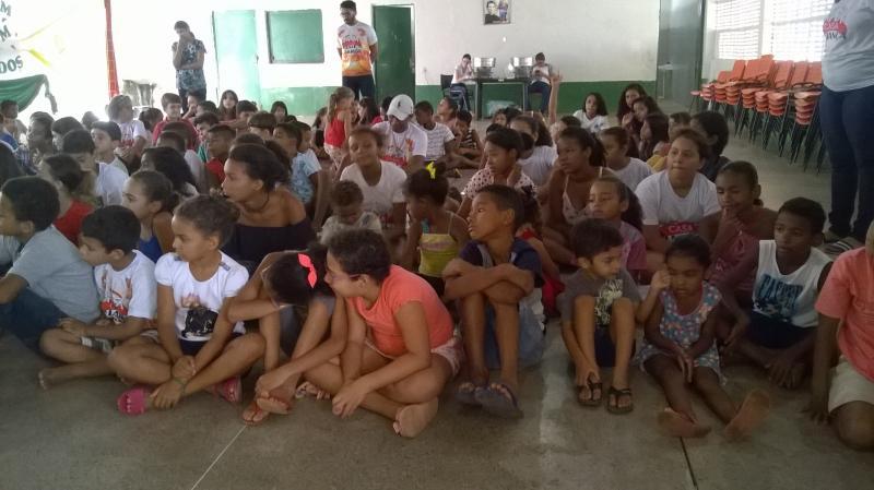 Crianças e Adolescentes participam da colônia de férias em Picos