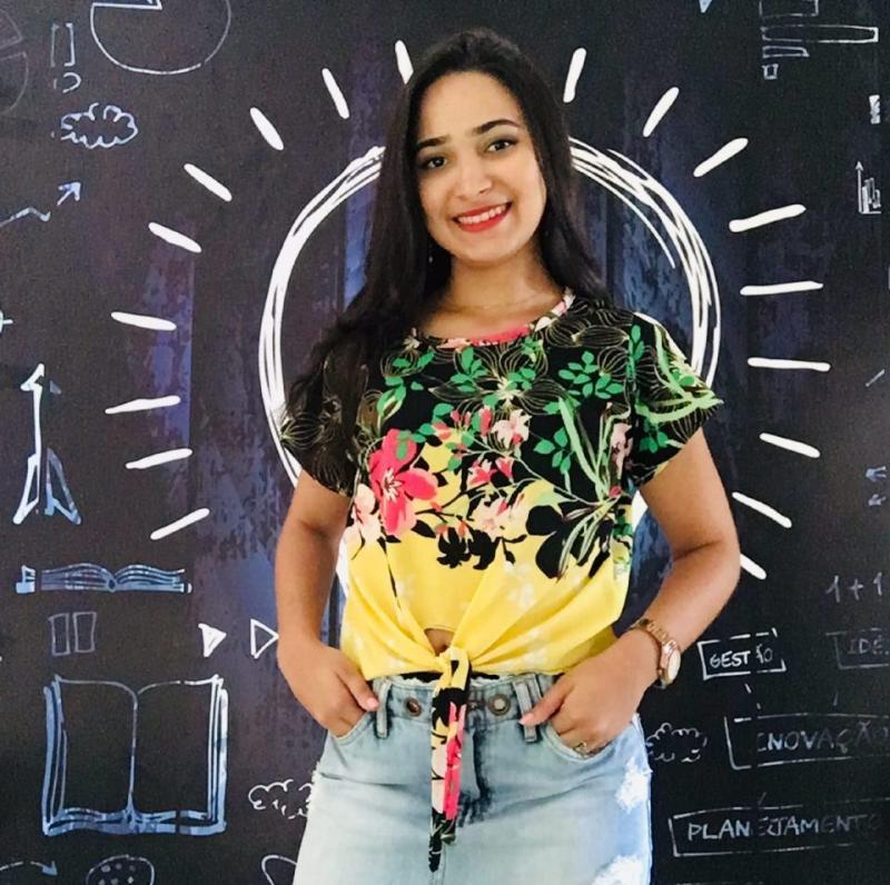 Bruna Dias Sampaio estreia Coluna de Moda no Portal R10