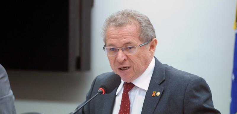 ''Sou presidente do PT e tenho obrigação de me manifestar'', diz deputado