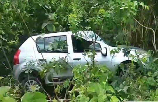 Carro capota na BR-343 e deixa bebê e mais quatro pessoas feridas