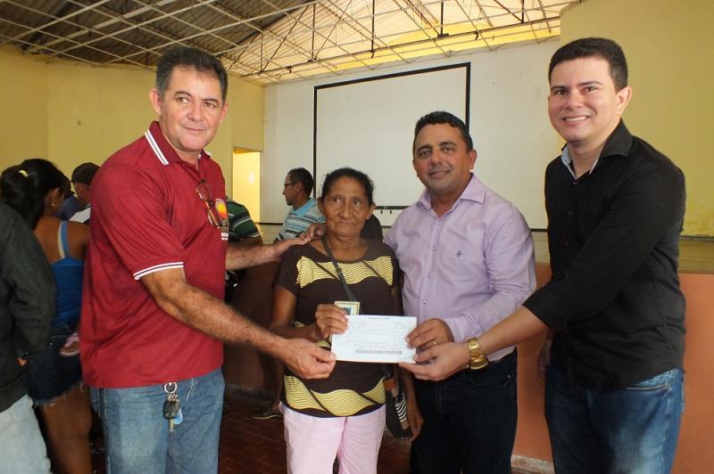 Prefeitura de Campo Maior realizou entrega de boletos do Garantia Safra
