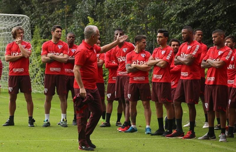 A uma semana da estreia oficial, São Paulo ainda não tem time titular