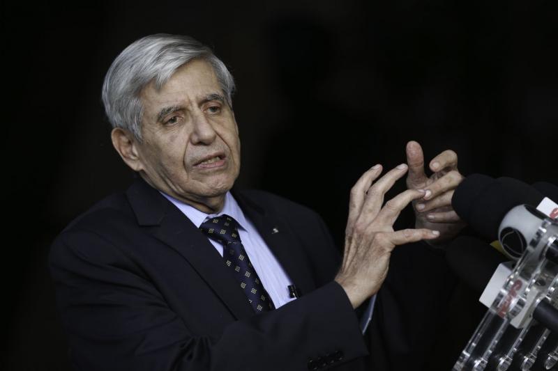 Battisti será trazido da Bolívia para o Brasil, diz Augusto Heleno