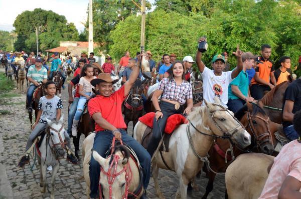 Santo Antônio dos Milagres realizou a cavalgada da Chapada do Genésio
