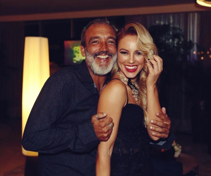 Chega ao fim o namoro de Paolla oliveira e o diretor Rogério Gomes