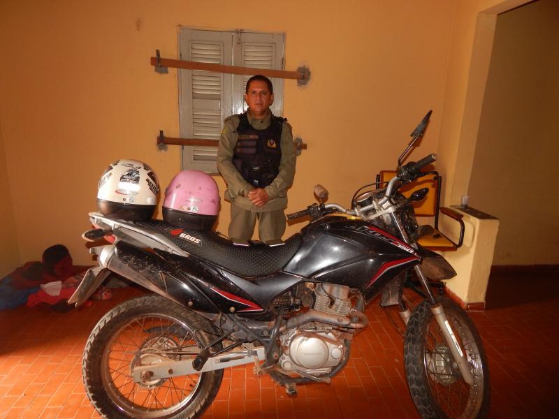 Policia recupera moto e objetos roubados em Beneditinos