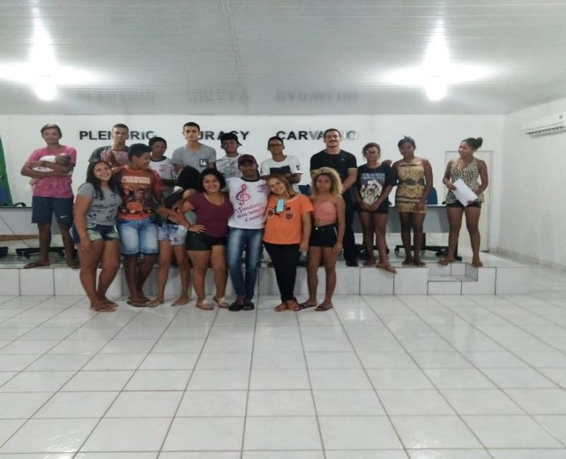 Vereador Henrique Guerra recebe integrantes da Quadrilha Junina Sem Limites