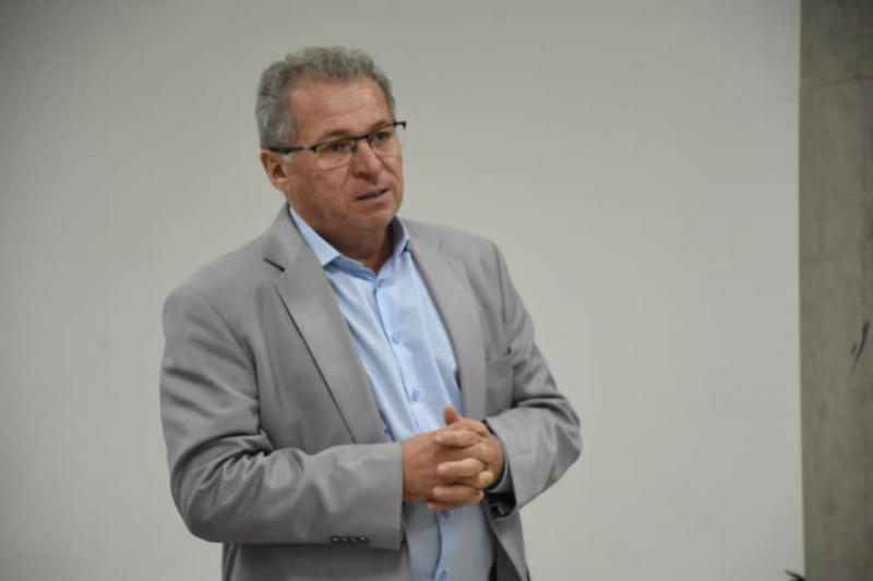 Assis Carvalho sugere vice-presidência da Alepi para o MDB