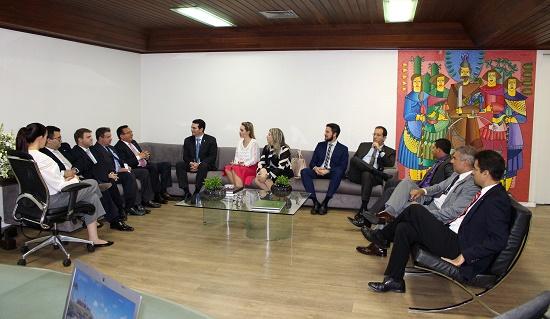 Nova diretoria da OAB-PI promove visita institucional à presidência do TJ
