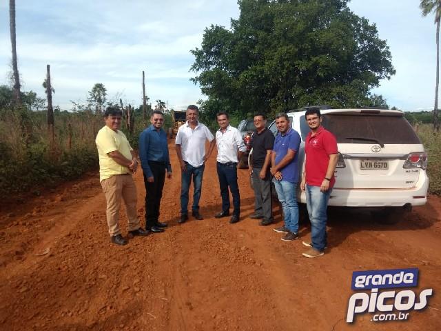 Prefeituras de Picos e Geminiano firmam parcerias