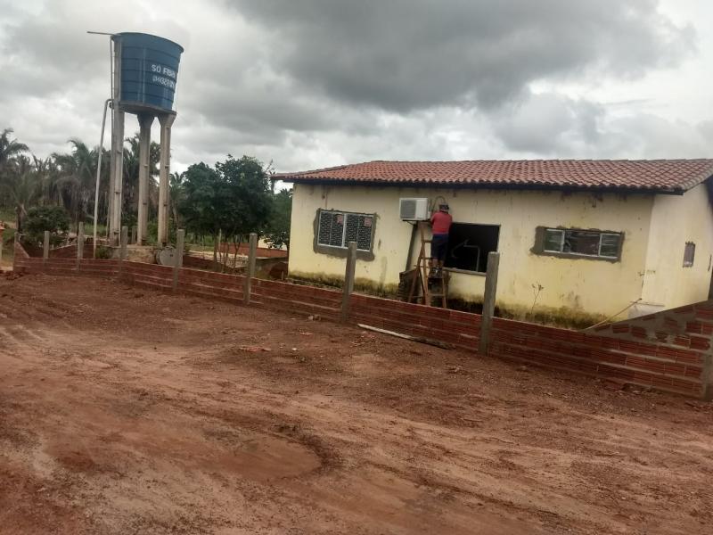 Escola da zona rural passa por reforma antes do ano letivo