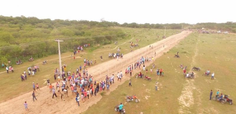 Corrida de Cavalos, futsal e vôlei marcam dia de competições esportivas