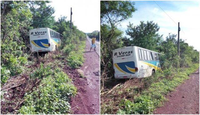 Desgovernado, ônibus de Luzilândia com destino a Parnaíba desce aterro