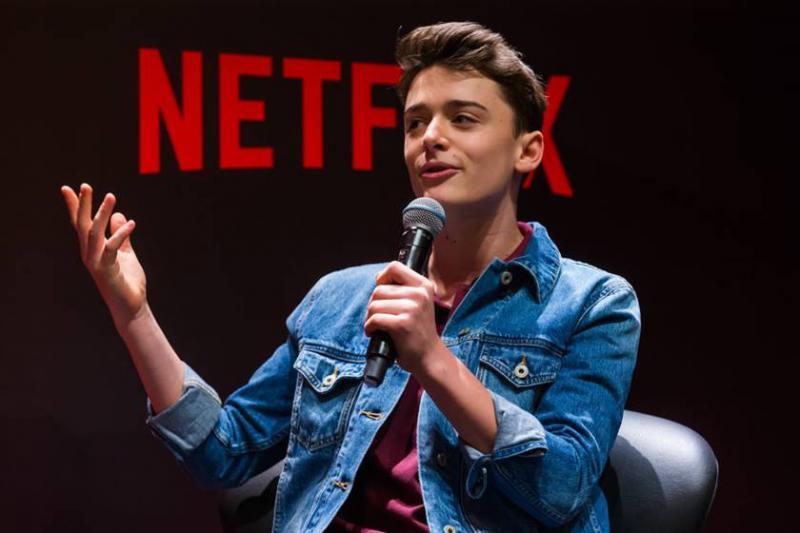 Ator de Stranger Things vem ao Brasil para evento sobre a série