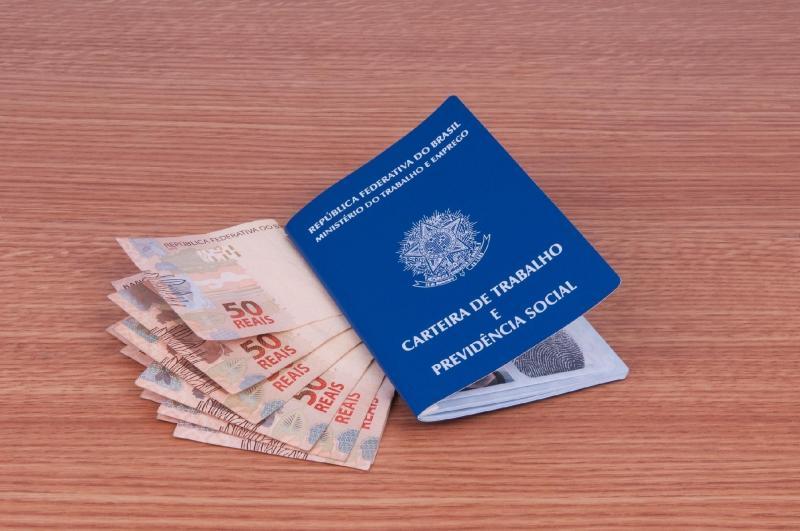 Seguro-desemprego é reajustado e pagará até R$ 1.735