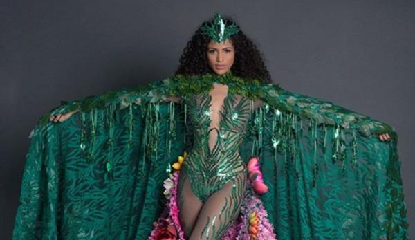 Com look de R$ 30 mil, Monalysa Alcântara homenageia Amazônia no Miss Universo