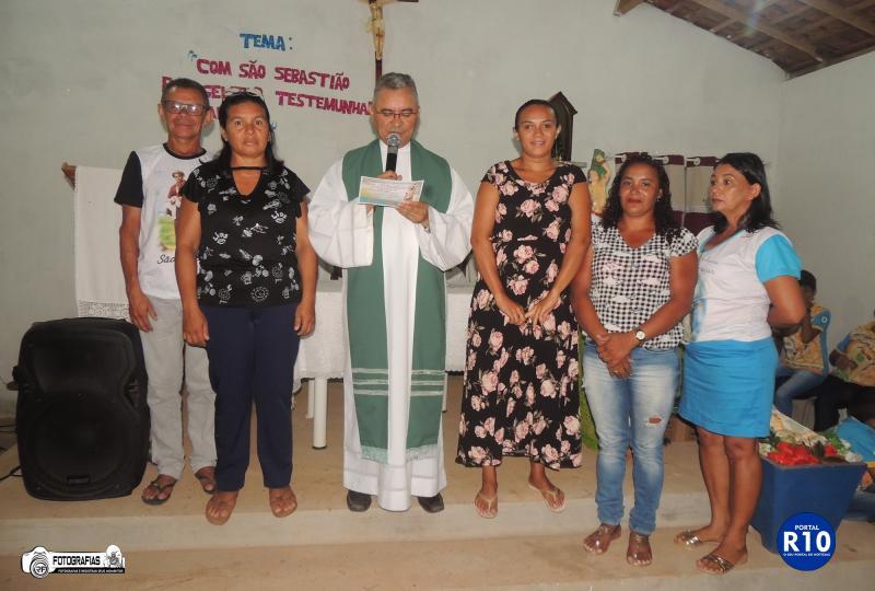Santa Missa na última noite dos festejos de São Sebastião no povoado Muricí
