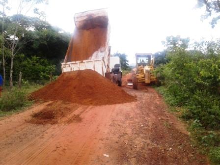 Prefeitura de Alto Longá trabalha  na restauração de vias municipais.