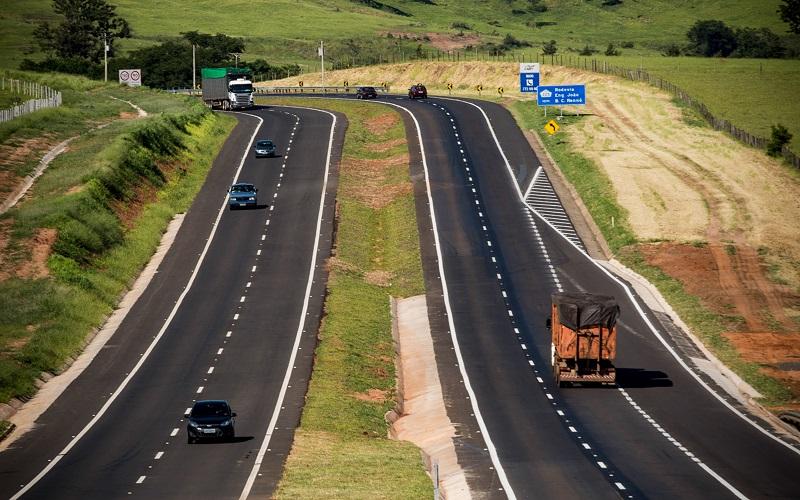 Projeto de lei obriga União a duplicar todas as rodovias federais