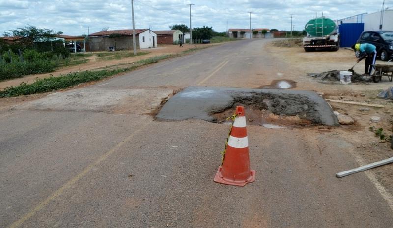Prefeitura realiza operação tapa buracos para facilitar acesso à cidade