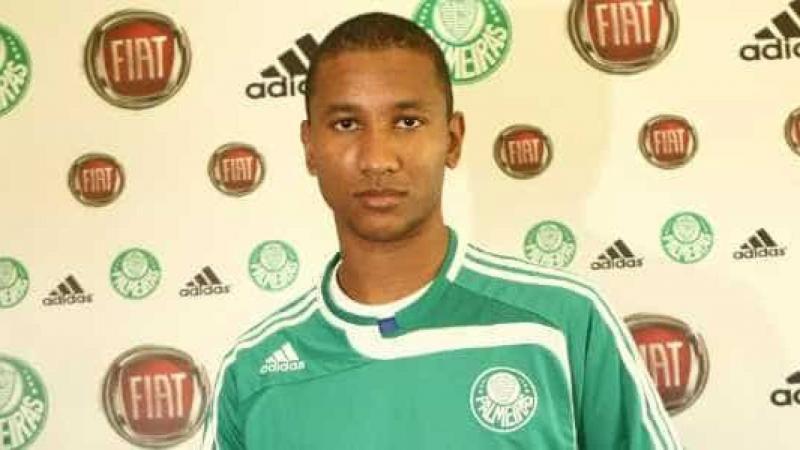 Ex-jogador do Palmeiras trabalha como gari em SP
