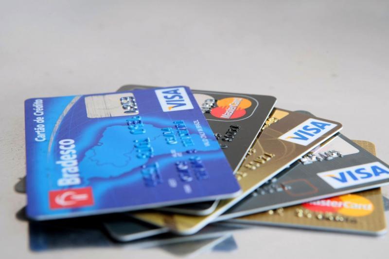 Strans começa a parcelar multas de trânsito no cartão
