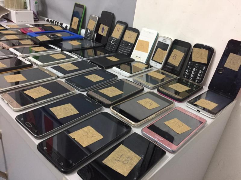 Polícia faz devolução de celulares apreendidos em Teresina