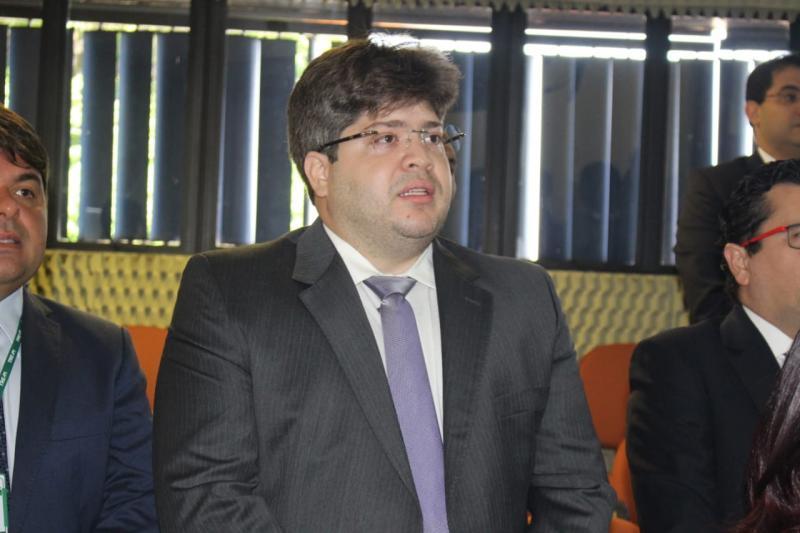TRE empossa advogado Thiago Ferrer como juiz,no cargo de jurista