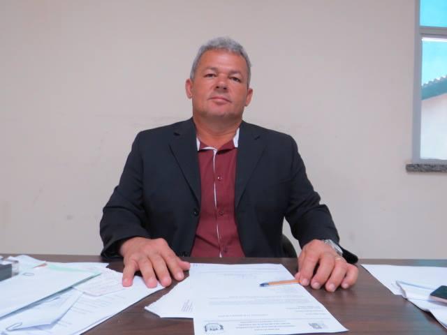 Prefeito de Luís Correia é denunciado por irregularidades em licitação