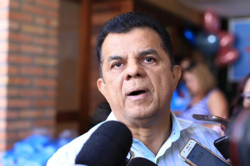 Prefeito de Porto do Piauí contrata empresa do marido de vereadora
