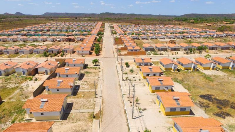 Prefeitura de Altos entrega mais de 330 novas casas nesta sexta-feira