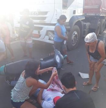 Motociclista fica ferido após colidir contra caminhão em Esperantina