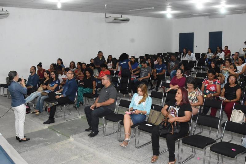 Proposta Curricular é apresentada a gestores em Floriano