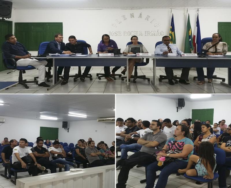 Representantes do Poder Executivo, Vereadores e servidores públicos participam de reunião sobre Projeto de Lei de 23/2017.