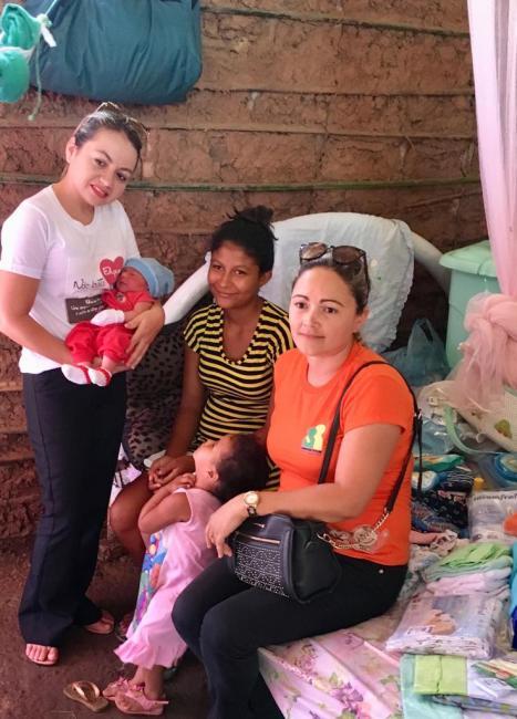 Mãe que deu a luz em casa recebe ajuda da população de Olho D'água