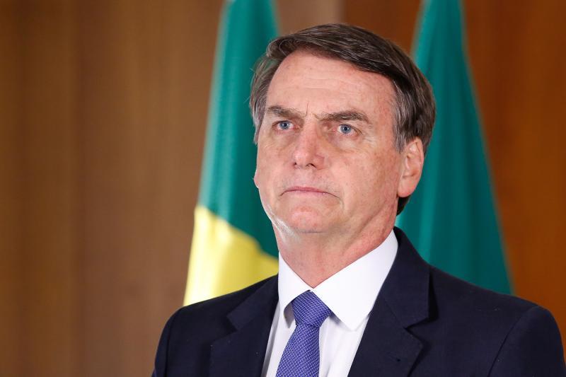 Bolsonaro avisa que ficará afastado do cargo de presidente